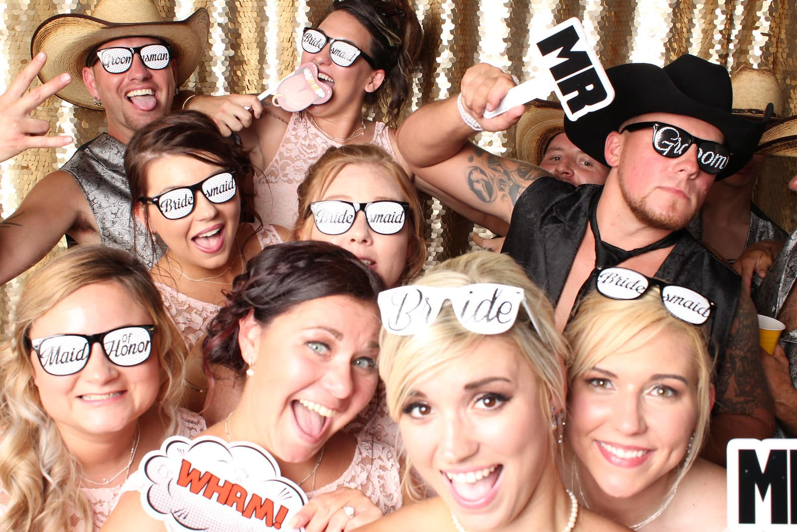 5 Reasons Why Your Wedding Needs a Photo Booth