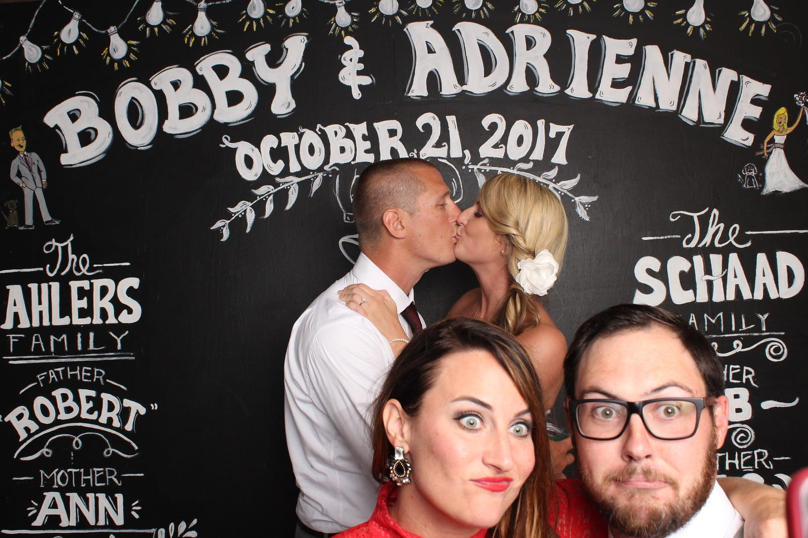 5 Photo Booth Mistakes Made by Brides